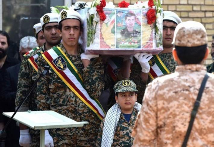 پاسخ رهبر معظم انقلاب به نامه فرزندان شهید حادثه تروریستی جاده خاش+ تصویر